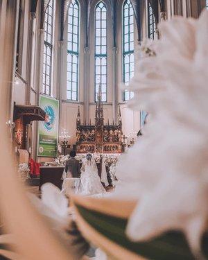 The beautiful wedding of @estherpamelaa & husband 🤵👰💞 #ClozetteID #wedding