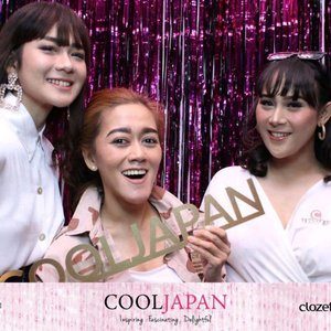 This is how we enjoy the party 🎉💃 #ClozetteID #ClozettexCoolJapan #Party