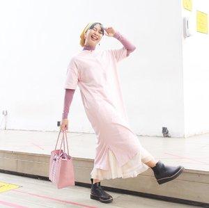Ini ngeri banget pas pose gini, soalnya aku gampang jatuh cinta *lha apasih Apalagi sama Adrena Dress nya @winonamodest 🌸________________________#clozetteid #ootd #ootdindo #ootdinspiration #ootdinspo #turbanstyle