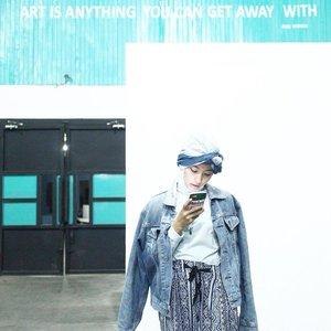 Aku mah jadi cewe gaminta macem-macem sih, cuma minta dikabarin aja ..... dikabarin kira-kira kita kapan Sah nya ? udah gitu aja QO~ 🙈 📸 : @saski_tya ...New post on the blog 🙆🏼 #ootd #clozetteid #ootdhijab #clozettexairasia #klfwrtw2016 #ootdhijabindo #hijab #hijabfashion #ootdhijabnusantara #diaryhijaber #anakootd #hijabstylebyme #lookbookindonesia #hijabstyleindonesia #myhijabindo #street_hijabi #hijabfashioncommunity #ladyinframe #womeninframe #squaregrapher #ootdindo