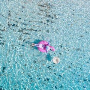 Beberapa hal yang jangan ditunda juga : 1. Angkat Jemuran2. Matiin air , udah penuh.3. Ke Pantai4. Kangen ...... kangen ke pantai ! Elah...#minimalism #minimalismood #visitbelitung #explorebelitung #belitungisland #clozetteid #pulaulengkuas