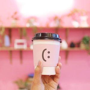 ingredients : Smile 🌸#handsinframe __________________________#clozetteid #clozetteambassador