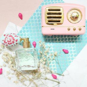 you are never fully dressed without parfume. -C.Joybell _____________________________ #flatlay #flatlaystyle #flatlayphotography #parfume #clozetteid