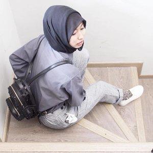 Is Waiting You Peka ........#ladyinframe #ootd #ootdindo #ootdhijabindo #hijab #hijabfashion_2016 #ootdhijabnusantara #diaryhijaber #anakootd #hijabstylebyme #hijabstyleindonesia #myhijabindo #street_hijabi #hijaberkece #WWIM13 #ladyinframe #squaregrapher #clozetteid #starclozetter