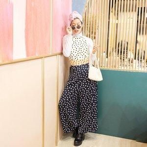 Mikirin caption foto ini sama aja kaya mikirin kamu, never ending~ ______________________________#trypomelo #ootdindo #ootd #ootdhijab #ootdturban #clozetteid #starclozetter #dailyhijab #hijabstyle #hijab #hijabfashion #hijabinspiration