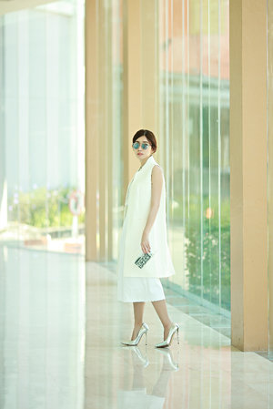 All White Look for summer wearing long waistcoat and cullotes.