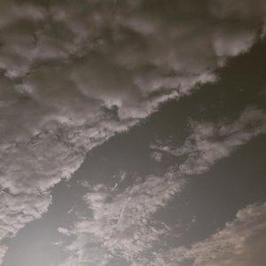🐇...#sky#simpleliving#mindfulness #clozetteid#phoneshots#minimalistfeed
