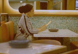 Barusan upload video youtube terakhir di tahun 2020 ini. Linknya ada di profile aku 🤗💕.📸 @najibvilla07 _________#newvideo#contentcreator#contentcreatorindonesia #youtubevideo #videoupdate#youtuberindonesia #indonesiancontentcreator #newyoutubevideo#clozetteid#aestheticfeed#minimalfeed#feedgoals#indovidgram