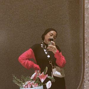 ❤️🖤...#selfie#clozetteid#selfportrait#hijabstyle#malasmalasstyle