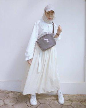 Lebaran sebentar lagi 💃🏻 . . . #clozetteid #hootdduahijab #duahijabtrans7  #ggrepstyle #hijabootdindo #themodestymovement