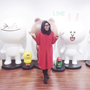 Cuteness overload!! Yesss, I was at Line Indonesia headquarters. Thank you so much @lineindo for having me. Such an honor for me. Gosh, I feel so excited about our collaboration 😎#Clozetteid #LINEIndo#LINEIndonesia