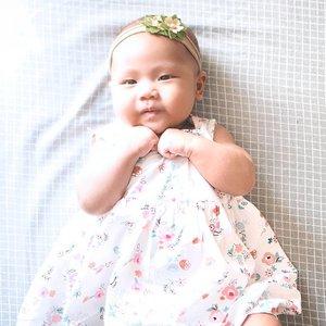 Selamat hari Kartini untuk semua wanita di Indonesia 😍..Senang banget diberi kesempatan sama Tuhan untuk memiliki anak perempuan ❤️.Semoga baby L kelak bisa menjadi seorang Kartini modern yang dapat menjadi berkat dan berdampak untuk orang sekitar. Amin 😇..Pas banget hari ini juga baby L #3monthsold 😍Sehat selalu ya anak mami yang cantik. Tuhan selalu ikut campur tangan dalam masa pertumbuhanmu, sehingga kamu selalu sehat sempurna. Amin 😇 .#jeanettegy #babygirl #LeiaPutriIsaie #babygirlstyle #baby3months