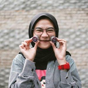 Udah 7 hari lebih nih nyobain skincare Herbal Premium pertama di Indonesia. Karena ini alami insya Allah aman dipake siapapun asal cara penggunaannya sesuai. Review lengkapnya @dnarsindonesia udah up di blog www.karinakamil.com silahkan mamviiiiir 😘 #BBIxDNARS #DNARSIndonesia#clozetteid