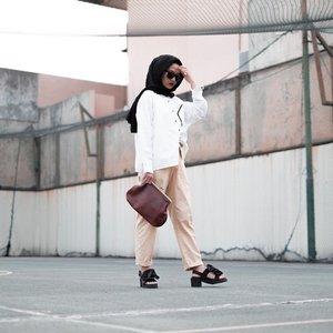 Foto literally menggambarkan, puyeng mak 🤣_________________#clozetteid#karincoyootd#karincoymonoton#modestfashion#hijabmodesty
