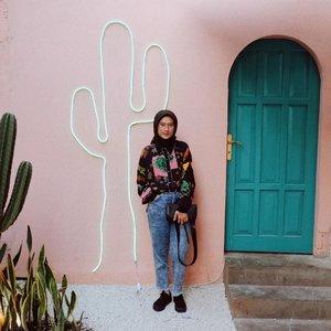 Weat your pattern floral loose shirt. And enjoy summer ☀️ _______________ #lykeambassador #summerstyle #bloggerlife #bloggerstyle #clozetteid #fujifilm #vscom3  #cactus #summer