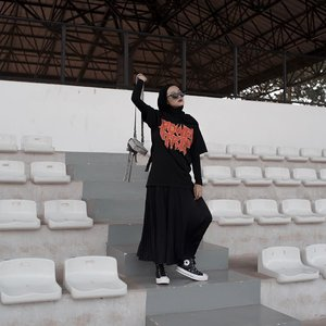 If today is your failure day, keep move your hips. You still have thousand chance ahead!Photo credit by @deddyxgriffin ___________________#clozetteid#karincoyootd#hijabmodesty#ootd#ootdfashion#outfitoftheday
