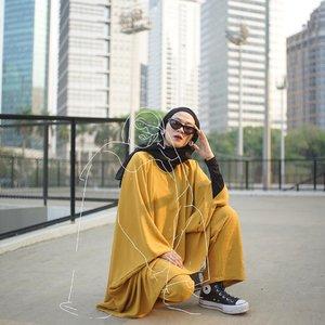 Puyeng apa gimana nih, pala berat bener kayanya. 🥴_________________#karincoyootd#clozetteid#hijabmodesty#outfitoftheday
