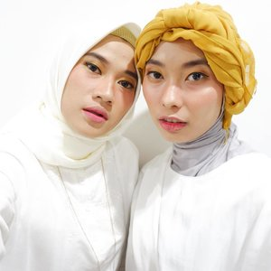 Me, make up by her. She, make up by me. Beautiful is empowering each others. We're so ready for raya, Eid mubarak! #clozetteid #cantikdarihati #ClozetteIDxWardah