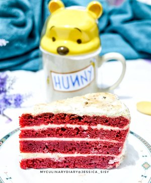 Red velvet for my snack time ♡How I miss this cake in Turkey.Check out myculinarydiarycom.wordpress.com for more awesome post! Link is on my bio and my Zomato/Jessica Sisy or Pergikuliner/Jessica Sisy for more food reviews#myculinarydiary #sisyeatingdiary #clozetteid........#food #foodblogging #foodgram #foodaddict #foodshare #foodphotographer #jktfoodies #foodphotography #instabuzz #photooftheday #beautifulcuisines #foodgasm #foodnetwork #discoverymeal #appetitejournal #eatfamous #flatlay #foodoftheday #dessert #kulinerjakarta #followme #foodstylist #foodvsco #eatfreedayid #kulineraddict #eeeeats
