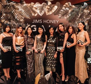Attending the 5th anniverdary of @jimshoneyoffc and also the grand final of Miss Earth 2019 with these girls.#JHGALA .........#ootd #photooftheday #beautifuldestinations #lookbook  #korea  #holland #wisata #travel #igtravel #travelgram #buzzfeed # #holiday  #clozetteid #paris #makeup  #photography #photooftheday #beautifuldestinations