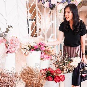 If God loves these flowers and nourishes them, He loves us more than them ❤ . . . Check out myculinarydiary.com for more awesome posts! #sisytravelingdiary . . . . . . #ootd #photooftheday #beautifuldestinations #lookbook #syahrini #japan #cinderella #wisata #travel #igtravel #travelgram #buzzfeed #europe #holiday #turkey #turkiye #cappadocia #kapadokya #clozetteid #dubai #photography #photooftheday #foodoftheday #dresspesta #photoshoot #fujifilm #beautifuldestinations