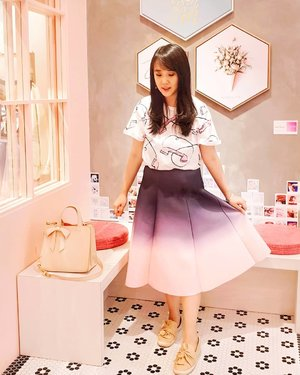 So in love with this skirt again and again from @unyuboutique . .  Check out myculinarydiary.com for more awesome post #sisytravelingdiary #travel #ombreskirt #ombre . . . . . . . #ootd #photooftheday #beautifuldestinations #tbt #lookbook #lotd #wiwt #japan #barbie #fashionblogger #outfitoftheday #korean #europe #flatlays #selfportrait #instafood #fashionindo #postthepeople #whiteaddict #interior #design #decor #architexture #clozetteid
