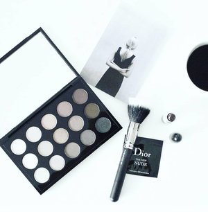 Put your makeup on ♡All from @diormakeup.Check out myculinarydiarycom.wordpress.com for more awesome post.......#ootd#photooftheday#beautifuldestinations#tbt#lookbook#lookbookindonesia#wiwt#asian#fashionblogger#outfitoftheday#korean#ootdindo#monochrome#followme#minimalist#wiwtindo#instadaily#minimalism#flatlays#selfportrait#instafood#fashionindo#postthepeople#whiteaddict#interior #design #decor #architecture #clozetteid