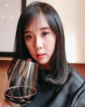 Enjoying my Red Wine at @tucanos_jakartaGet 20% for this wine while enjoying your steak ❤❤ ...........#clozetteid #cosmetic #beauty #skincare #makeup #makeupartistjakarta #steak #redwine #wine #japanese #korea #brazil #travel #eyelashextention #beautifulcuisines #bridestory #likeforlike #tagsforlike #makeupcourse #lipstick #makeupmafia