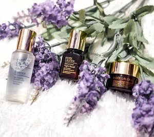 One my favorite brand for skin care @esteelauderid  I like the texture of the Eye Cream and the Night Cream. Soft, gel-like texture and light, but directly absorbed to my skin. For my eyes, it helps to reduce the small wrinkles. . . . . . . . . #clozetteid #cosmetic #beauty #skincare #makeup #makeupartistjakarta #esteelauder #travel #makeupmafia #maccosmetic #etude #potd  #makeuptutorial #makeupvideo #tutorialmakeup #eyecream #antiaging #antiagingcosmetic #koreanmakeup #frqnce #beautycare