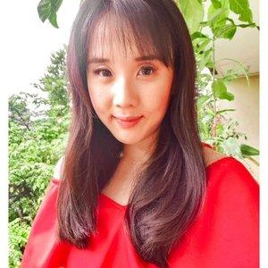 Sesekali post video makeup gapapa yaa. #dibuangsayang 👄 from @leiacosmetics.id  Paling demen lipgloss pinknya � #lipstick #lipgloss #tutorialmakeup #valentinemakeup #makeuptutorial #videomakeup #lipcream #localbrandindonesia