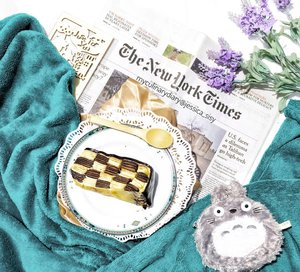 Having my breakfast on bed with a slice of cake from @firstlovepatisserie  The checked cake is so cute! . . Check out myculinarydiarycom.wordpress.com for more awesome post! Link is on my bio and my Zomato/Jessica Adi or Pergikuliner/Jessica Sisy for more food reviews #myculinarydiary  #sisyeatingdiary #flatlaybreakfast . . . . . . . . #food #clozetteid #9gag #foodaddict #breakfast #foodphotograph #wisata #foodphotography #travel#photooftheday #beautifulcuisines #foodstagram #foodgasm #foodnetwork #discoverymeal #appetitejournal #coffeesh #flatlay #flatlays #totoro #foodvsco #eatfreedayid #newyork #cakedecorating
