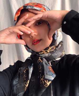 virtual photoshoot whaaaattt?! front camera and self timer is enough for me 😉#modestyaroundtheworld #ClozetteID