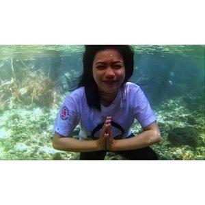 #clozetteID #underwater #diarygirl #gopro.  Indahnya alam bawah air