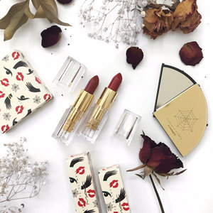 Finding perfect lipstick for holiday season, then red is always a good idea. #redlipstick #macxcharlotteolympia