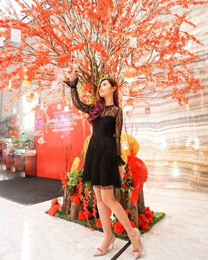 "Take a moment to admiring a special ""Blossom"" @ftbyfonnytunggal @fonnytunggal  collections for Chinese new year ✨ • • Hosted by @inekewidjaya  Held in @oneicon.residence  #clozetteid #cotd"