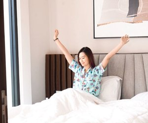 """Saturday Morning #iwokeuplikethis 👆🏻What a cute pajamas rite? It's also really comfy~Brand? It's """"Aimee"""" and You can get it offline on @theheadlinestore !!!! Yess that instagramable store💕#abellwear #clozetteid #cotd"""