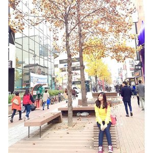 Strolling in the Dongson fashion road 👣 Similar to myeongdong in the Seoul,but still different �  Good morning, have a great Sunday � • • • • • • #photograph #igers #instagood #instagram #instalike #instamood #morning #korea #style #mytravelgram #meinframe #enjoy #explorekorea #holiday #havingfun #happy #cotd #clozetteID #autumn #like4like #likeforlike #TagsForLike #weekend #webstagram #webstyle #dailystyle