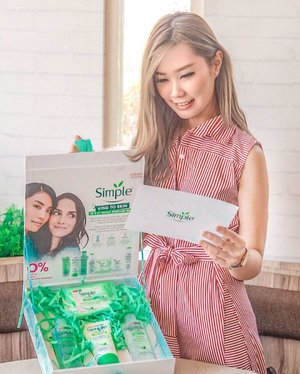 Finally! @simpleskin are avail in Indonesia. Famous Brand from UK that All of their products are dermatology tested Suit all skin type even for sensitive skin and 0% Color, perfume nor Harsh chemical. Wow~ It's also contains 3x purified water, with camomile extract and Vit B that have good effect for our skin. Gonna use this everyday. NOW Avail in nearby @guardian_id 🥰....#workwithtorquise #bloggersurabaya #clozetteid