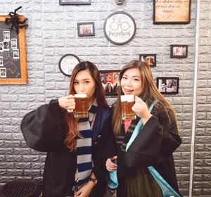 """It does not do to dwell on dreams and forget to live""!!! Celebrating with Butter Beer Since we're Accepted as a student in Magic School ••📍 @potterhead_malaysia 🔮Yuhuuu~#abellinpenang #abelldigests #clozetteid #cotd #penangisland #visitpenang #cafeinpenag"
