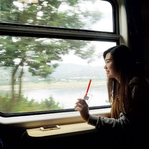 It's just a bad day not a bad life!So smile and keep going on☺️Have a great Monday all~••This is when i took a train from #Shanghai to #Fuzchou 🙈I know this's sounds Crazy, going to city that i never been to. A city that can't speak indonesia or english and i can't speak mandarin.. but well, i made it!! I know i always on my comfort zone, so wait and see! I think i'll go from this shell..:) •••#abellincn #travelwithabell #lykeambassador #beautynesiamember #cotd #clozetteid