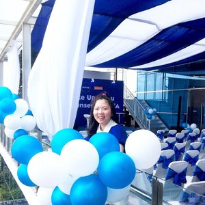 [ #niveaxmedanbeautygram ] Don't know why I'm so happy everytime I see balloons #foreveryoung . . ane I've updated my blog and if you mind, please hope to: www.steffaniwellie.blogspots.co.id or simply just click link on my bio 😊 #medanbeautygram  #cleansedbynivea  #nivea  #clozetteid