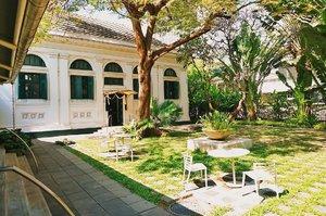 That afternoon in Bangkok! 🌿🍃 Tagging the travelmates: @sononui & @firexjourney 🤗🤗#thejournale #thejournalejourney #clozetteid #explorebangkok #bangkok #thailand #discoverbangkok #bangkokthailand #throwback #tbt #throwbackthursday #2017