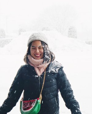 Play with snow. Tho' it's cold. ❄️ 📸: @marischkaprue  #thejournale #thejournalejourney #clozetteid #travel #2018 #go_tohoku #dj_tohoku #enjoytohoku