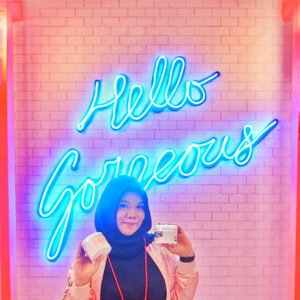 Hellawwww Gorjes!Masih ingat minggu lalu di igstory aku kalo aku datang ke @indobeautyexpo dan mampir ke boothnya @eileengrace_indonesia yang super gemes dan instagramable banget?Hayo siapa yang tau produk unggulannya eileen grace apaaa? Yups! Rose Jelly Masknya. Aku sudah pernah review loh di nands.id, kalo belom meluncur cus meluncur, cari aja Eileen Grace💕💕 #eileengrace #rosejellymask #taiwaneseskincare #Clozetteid