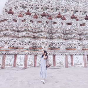 Traveling to Bangkok open my eyes that Bangkok is rich in culture. I went to several temples and Wat Arun or known as Temple of the Dawn is my favorite. It has a unique yet beautiful architecture and fine craftmanship. As a visual person, Wat Arun gave me a good visual presentation. Traveling to Bangkok never fails me.  #ELLExAngelPieters #openyoureyes #eyescitychallenge #ELLEeyewear