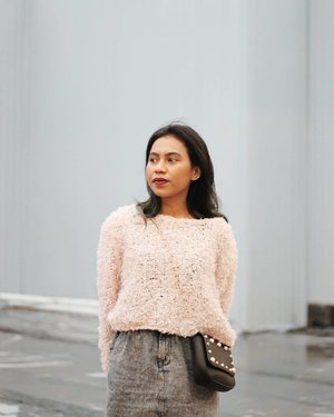 I fear to show the real me that I will be too real for youtoo hard for youtoo much everything for youand never enough.......#clozetteid #sweaterweather #fridaymood #tgif #lookbookindonesia #ootd #fotd #l4l #itscoldoutside #blissandglaze #postthepeople #visualgang #visualsoflife #aesthetic #makeportrait #vsco #currentmood