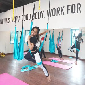 Yeaayyy I can fly, I'm trying to be the next Lara Croft lol. I'm in love with yoga swing, it was an instant love at the first sight. If you wish for a good body, work for it. Flat abs here I come 💕 Ps: I know I look pale, that's my bare face . . . . . #clozetteid #amorayogastudio #aerialyoga #yogaswing #yoga #yogadiary #bodygoals #flatabs #goodvibes #goodvibesonly #stayfit #fitspo #l4l #blissandglaze #weekendwellspent #sundayfunday