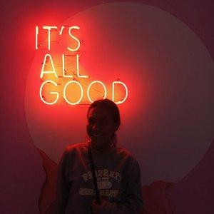 Jangan rindu, berat! Kamu enggak akan kuat, biar aku saja.*oke jadi gw abis nonton dilan dan gak sanggup denger gombalannya ke milea, alhasil gw sama @feiifelly @saipulrizaldy cekikikan gak berenti2 😂😂......#clozetteid #itsallgood #mood #mykindawednesday #itsallgood #goodlife #goodvibesonly #aesthetictumblr #aesthetic #tumblrgirl #l4l #blissandglaze