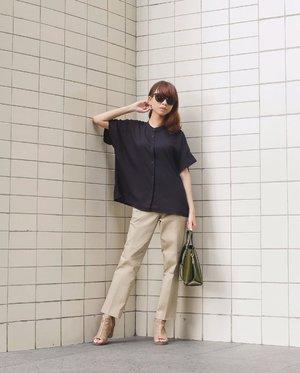 Yay! Aku lg pake smart satin ankle pants dari @uniqloindonesia 😍 Suka bgt sama bahannya! Nyaman bgt dipake nya, warnanya yg ini kesukaan aku bgtsih dan dia modelnya simple gitu cocok buat dipake daily✨ Produk ini sudah tersedia di semua store @uniqloindonesia yaa dan skrg pembayaran nya bisa menggunakan gopay😊✨ #uniqloindonesia #uniqlolifewear . . . . . #whatiwore #bloggerstyle #fashion #styleblogger #fashionblogger #ootd #lookbook #ootdindo #ootdinspiration #style #outfit #outfitoftheday #clozetteid