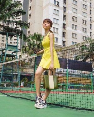 Walaupun silau tapi ttp pose😆☀️ ( tap for details ) 📸: @edi.jsp . . . . . #whatiwore #bloggerstyle #fashion #styleblogger #fashionblogger #ootd #lookbook #ootdindo #ootdinspiration #style #outfit #outfitoftheday #clozetteid